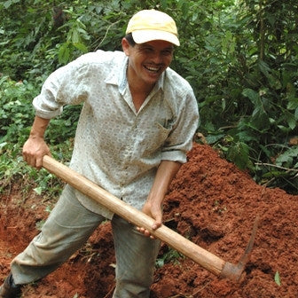 Give a gift that matters: a donation in your friend's name. This gift will provide fencing and/or tree planting to protect a watershed in rural Honduras. This w