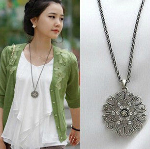 Vintage Style Flower Crystal Black Silver Necklace