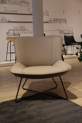 Rolf Benz 323 Lounge Chair in Beige Leather