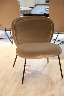 Ona Lounge Chair
