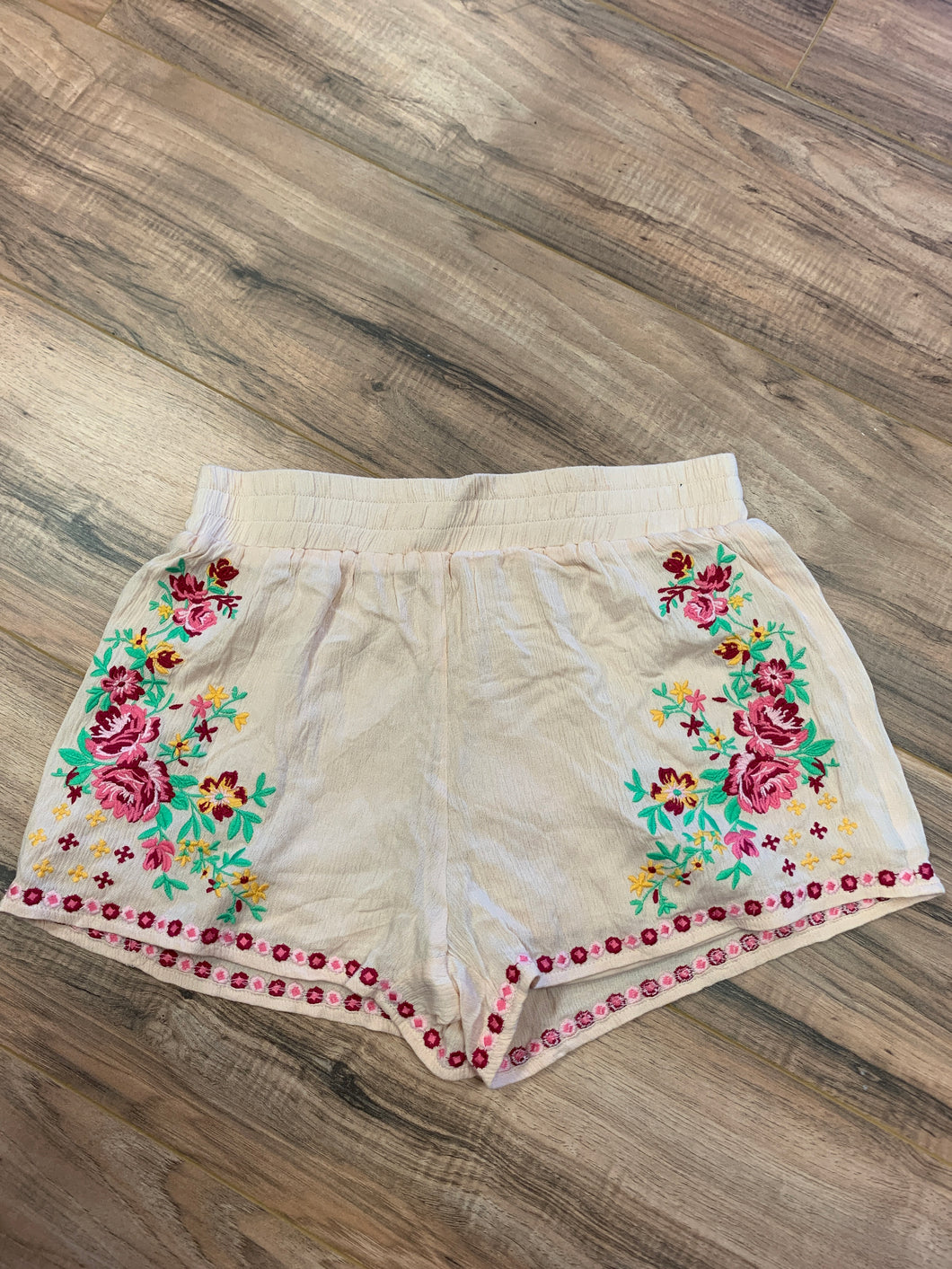 Embroidered Floral Short