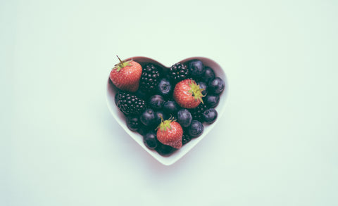 white-heart-shaped-bowl-filled-with-blackberries-and-strawberries-momental-nootropics