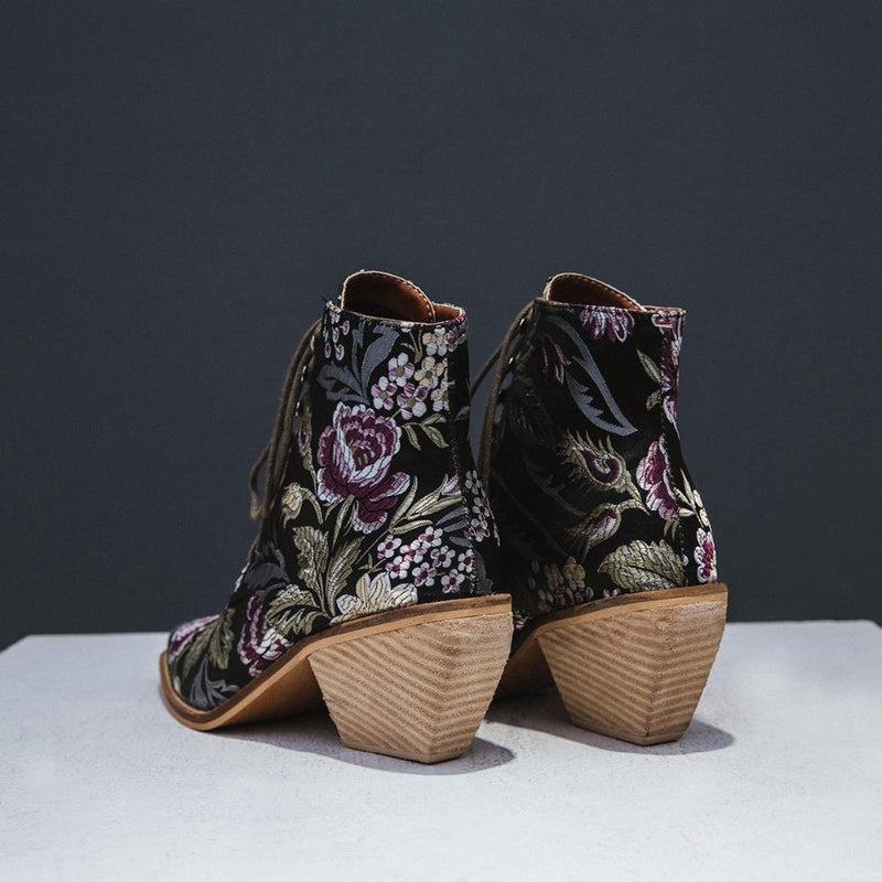 Boho People Hand Embroidery Boots