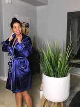 Penthouse Flavor Feather Sleeve Silk Robe Dress (Plus Size)