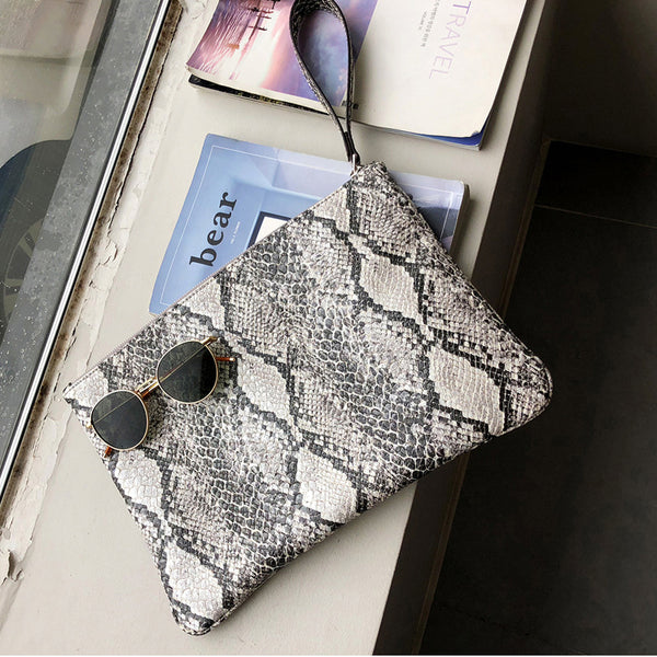 Version Snake Pattern Envelope Bag
