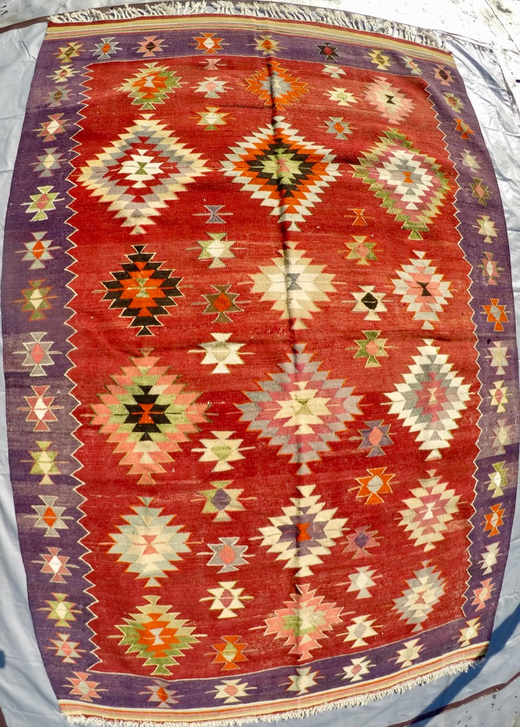 "Vintage Wool on cotton Kilim 5'9"" X 8'10"""