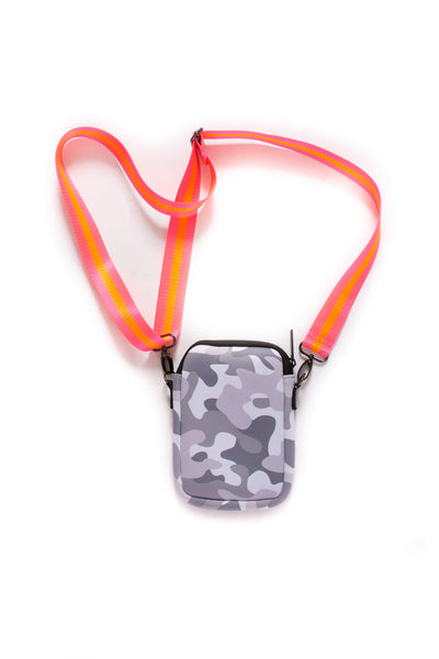 Haute Shore - Casey Rise Neoprene Cell Phone Case (RISE, Grey Camo w/Pink & Red Stripe) alt view 2