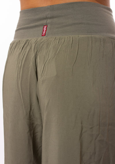 Hard Tail Forever - Flat Waist Capri Rv (RV-38, Gravel) alt view 3