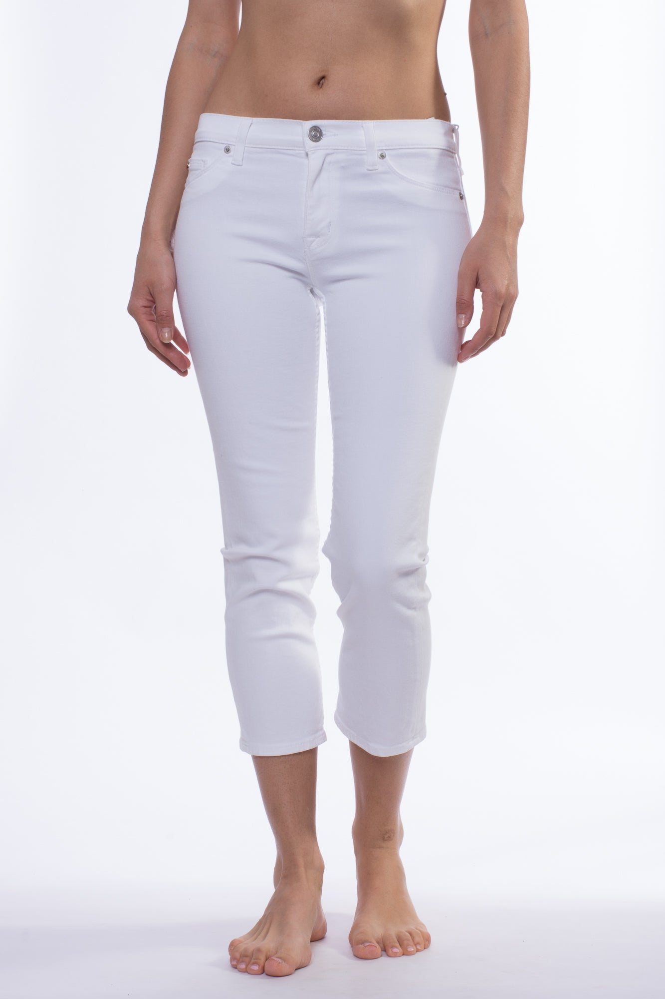 Fallon Crop Jean (Style WMC216TEQ, White) by Hudson
