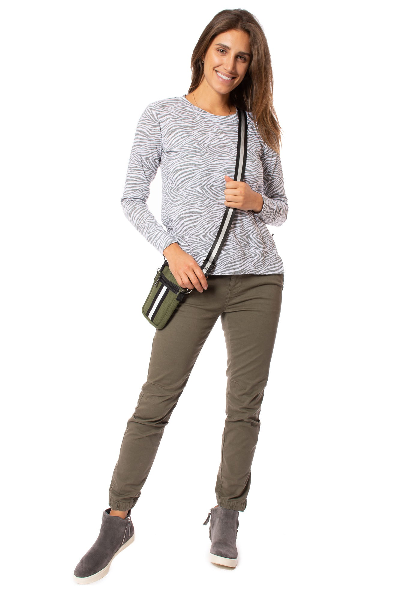 Bobi - Long Sleeve Crew Neck W/High-Low Side Slit (54A-50102, White & Gray Zebra Print)