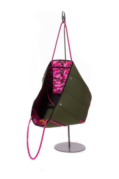 Haute Shore - Sweet Neoprene Tote Bag w/Tethered Removable Wristlet (Greyson, Evergreen w/Pink Camo). alt view 4