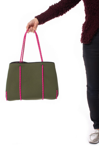 Haute Shore - Sweet Neoprene Tote Bag w/Tethered Removable Wristlet (Greyson, Evergreen w/Pink Camo). alt view 7