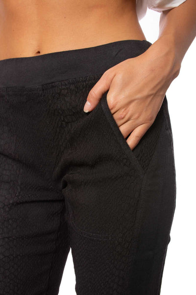XCVI - Delaney Pants (22454, Black) alt view 3
