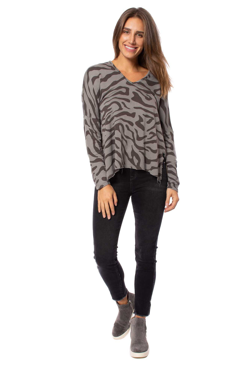 XCVI - Warrick V Neck Long Sleeve (13869, Brown & Gray Animal Print)