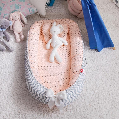 Grey Wavy/Peach Polka Dots Baby Nest with Pillow