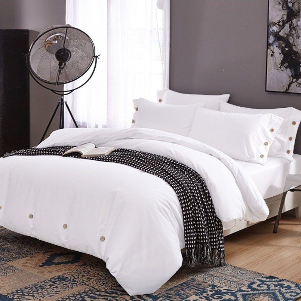 Cotton duvet cover with deco button