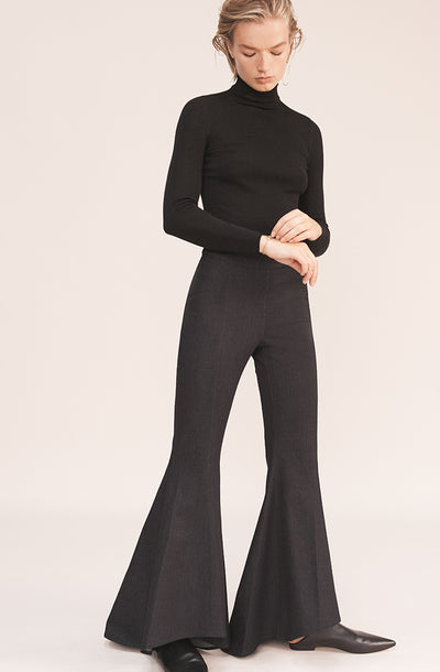 THE TESS MINIMAL DENIM FLARE PANTS (CHAPTER THREE by Arjé)