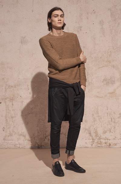 THE OSTUNI ROUND NECK KNIT