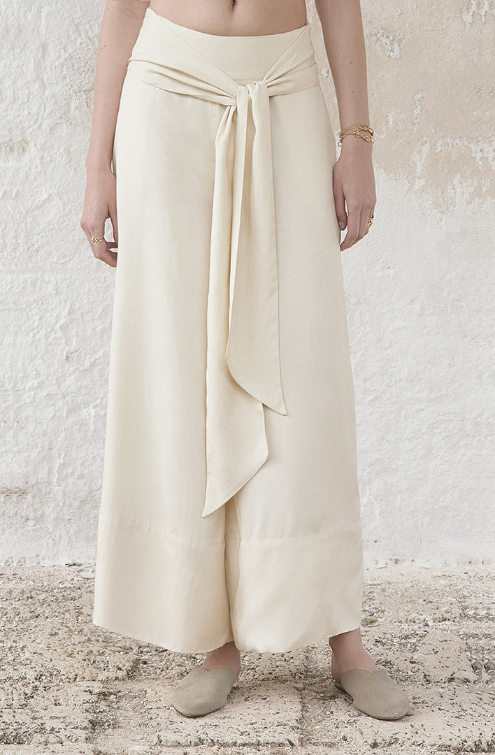THE BELTED WIDE LEG PANTS