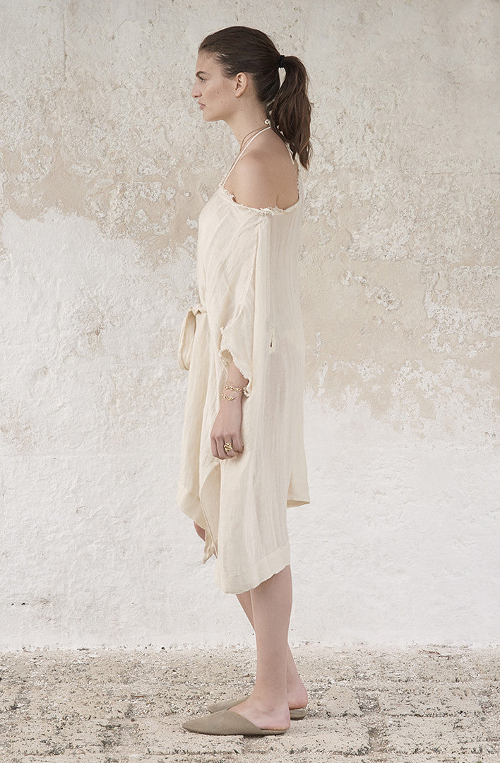 THE ORIENTAL LINEN THROW ON KAFTAN