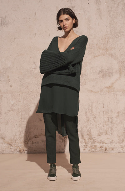 THE CANNES WIDE SLEEVE RIB VNECK KNIT