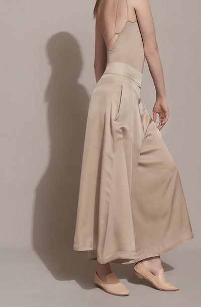 THE FLY AWAY SKIRT PANT
