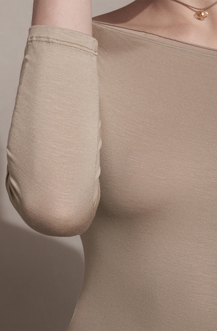 THE SECOND SKIN BOAT NECK TOP