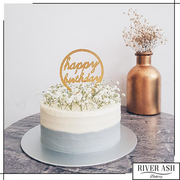 Fresh Baby's Breath Cake-River Ash Bakery