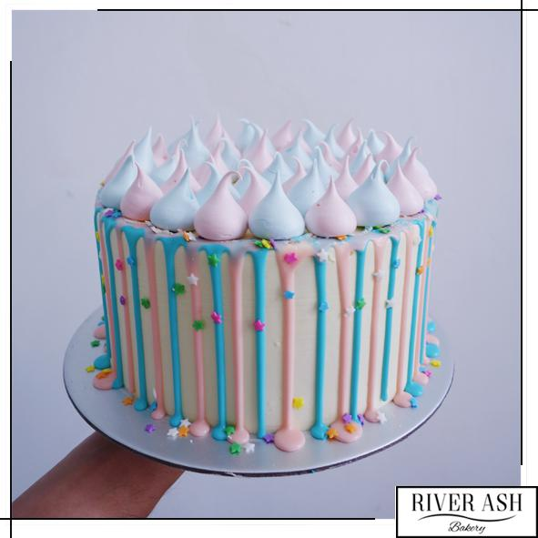Gender Reveal Cake-River Ash Bakery