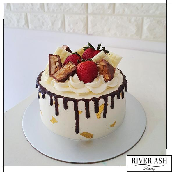 Luxe Choc Berries Cake-River Ash Bakery