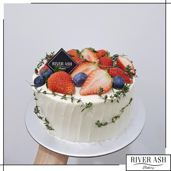 Rustic Berries Cake-River Ash Bakery