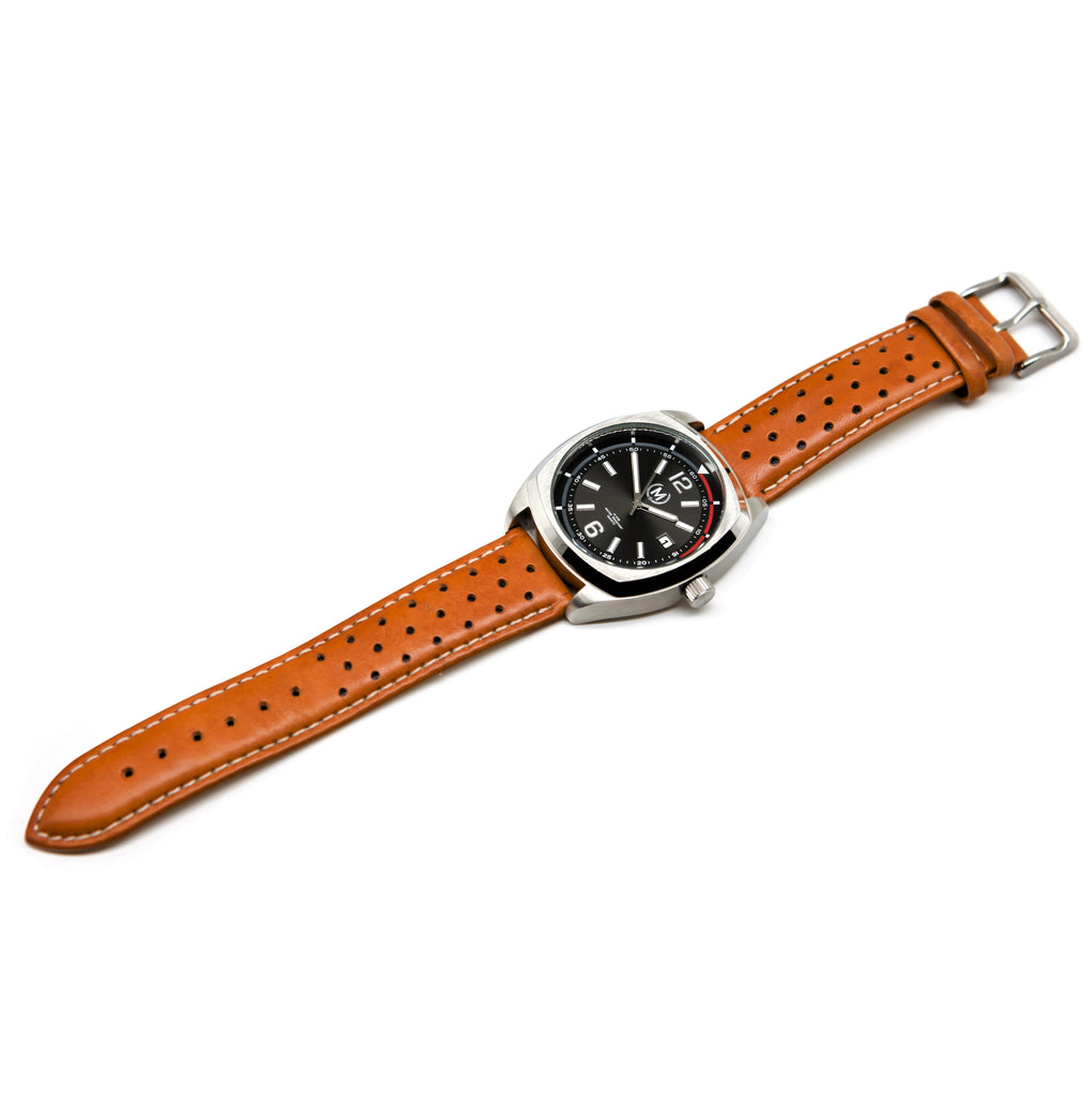 CLASSIC DRIVER, TAN STRAP - Marchand Watch Company