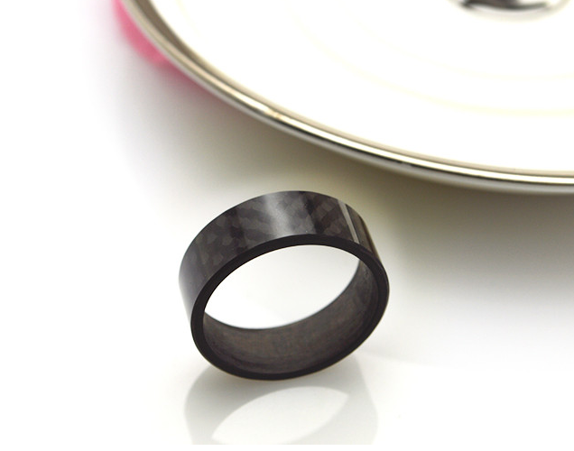 MEN'S 8MM BLACK SMOOTH PURE CARBON FIBRE RING, SIZE 7 -13.5 - Marchand Watch Company