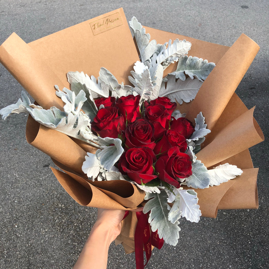 Classic V2 - Red Roses Bouquet