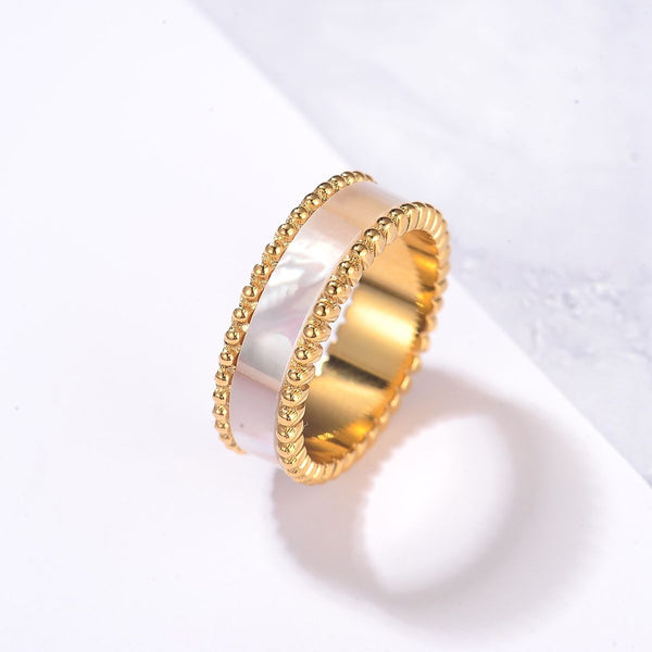Lulwah Ring / Pearl Gold ( Size 8 ) - minimalistae