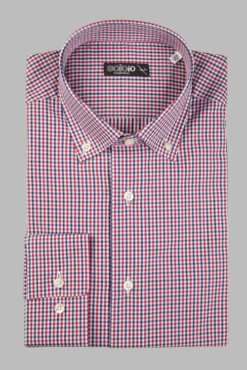 Camisa button down cuadritos rojos