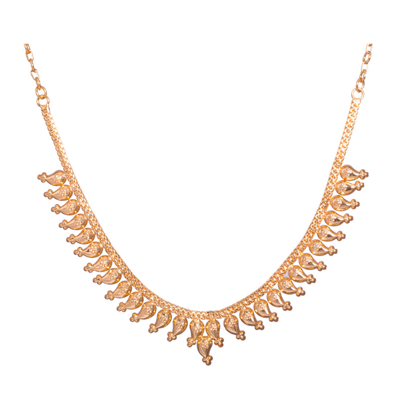 Short gold necklace