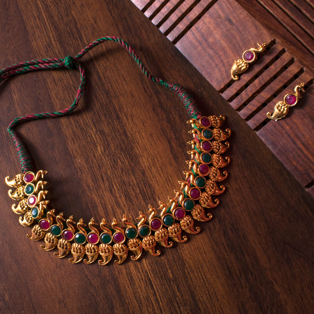 Gold plated elegant necklace