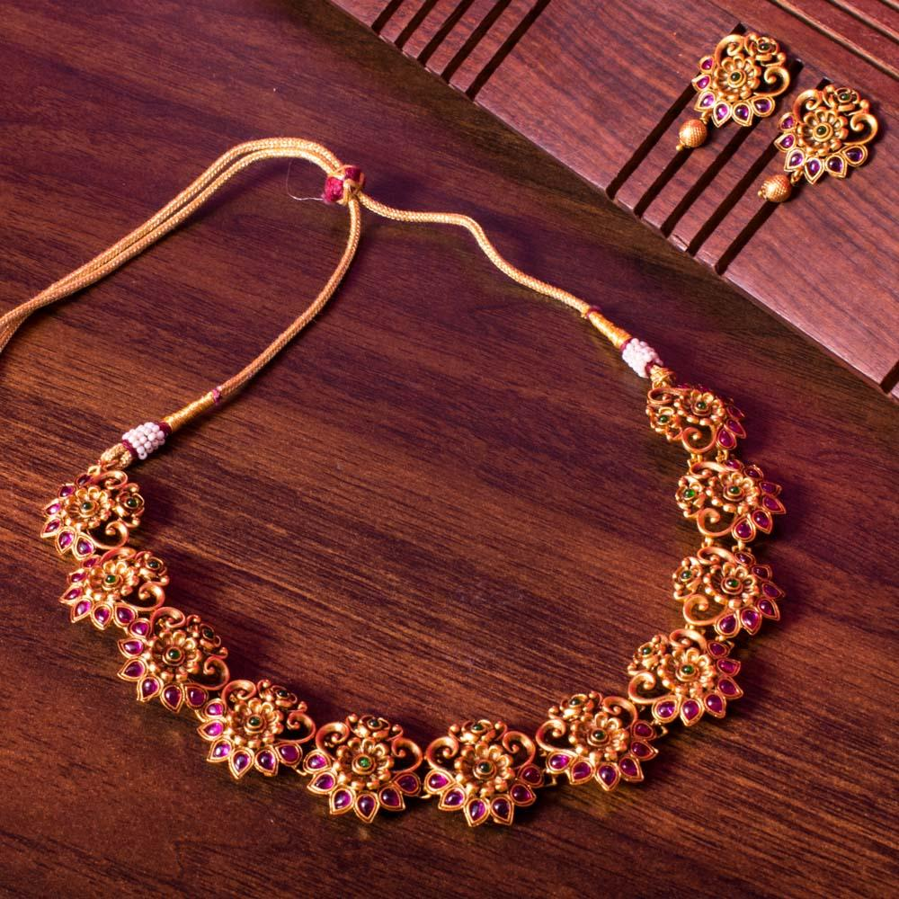 Choker ruby gold necklace