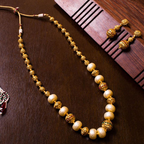 Dazzling White Pearl Antique Necklace
