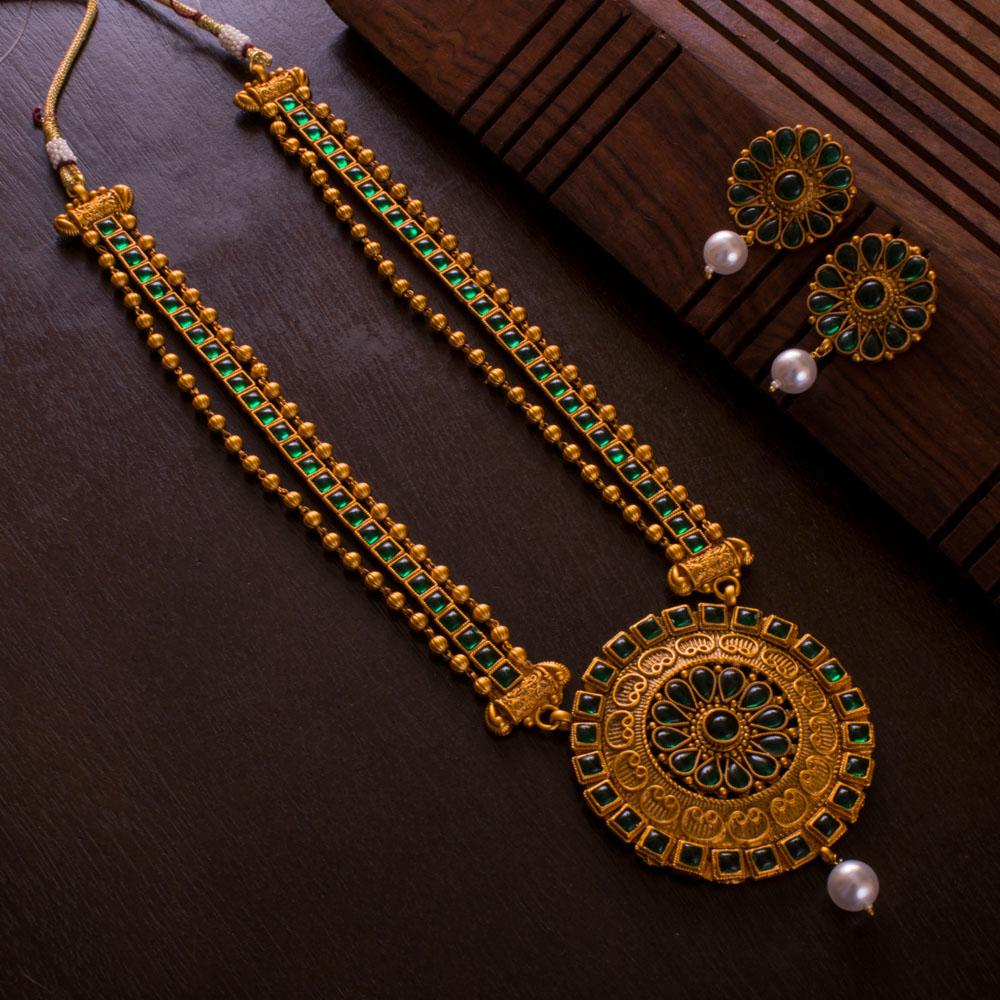 Traditional Spark Necklace Set