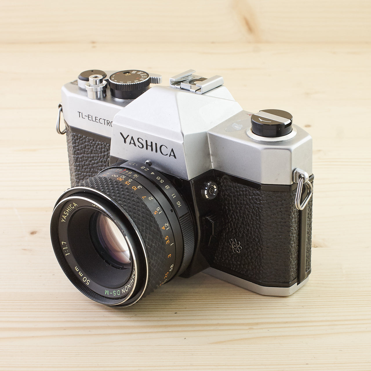 Yashica TL-Electro w/ 50mm f/1.7 Avg - West Yorkshire Cameras