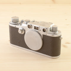 Leica IIIc Red Curtain Avg