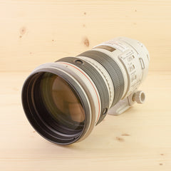 Canon EF 300mm f/2.8 L IS Exc+ in Case