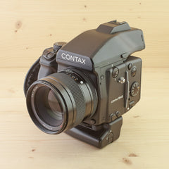 Contax 645 w/ Zeiss 80mm f/2 Planar and Grip Exc