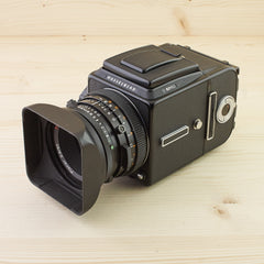 Hasselblad 501C Black w/ 80mm f/2.8 CF WLF A12 Exc