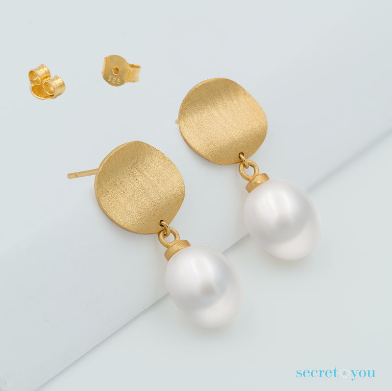 Pendientes de Perlas Barrocas con Placa de Plata Bañada en Oro Secret & You