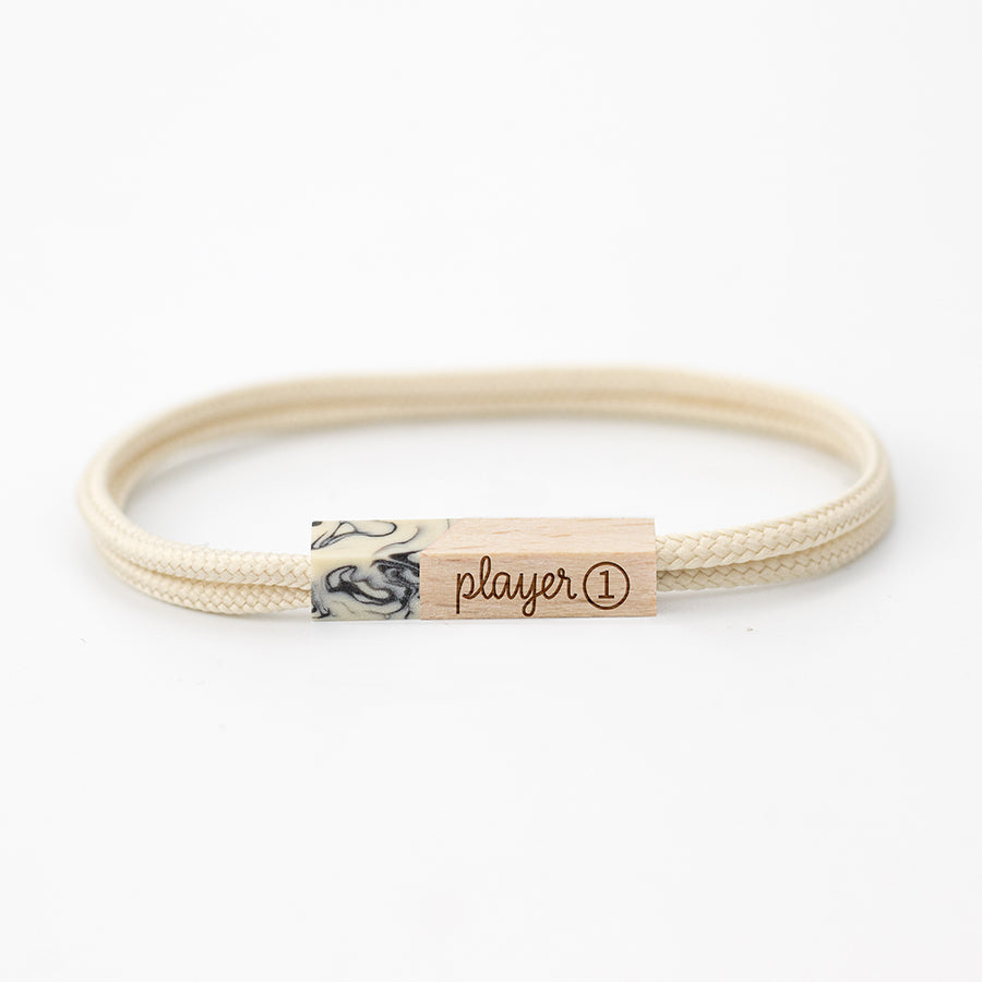 pulseras grabadas player one white