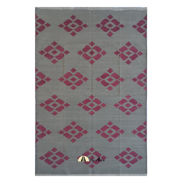 Grey and Pink Modern Contemporary Cotton Rug, 5x8 ft - The Attic Dubai