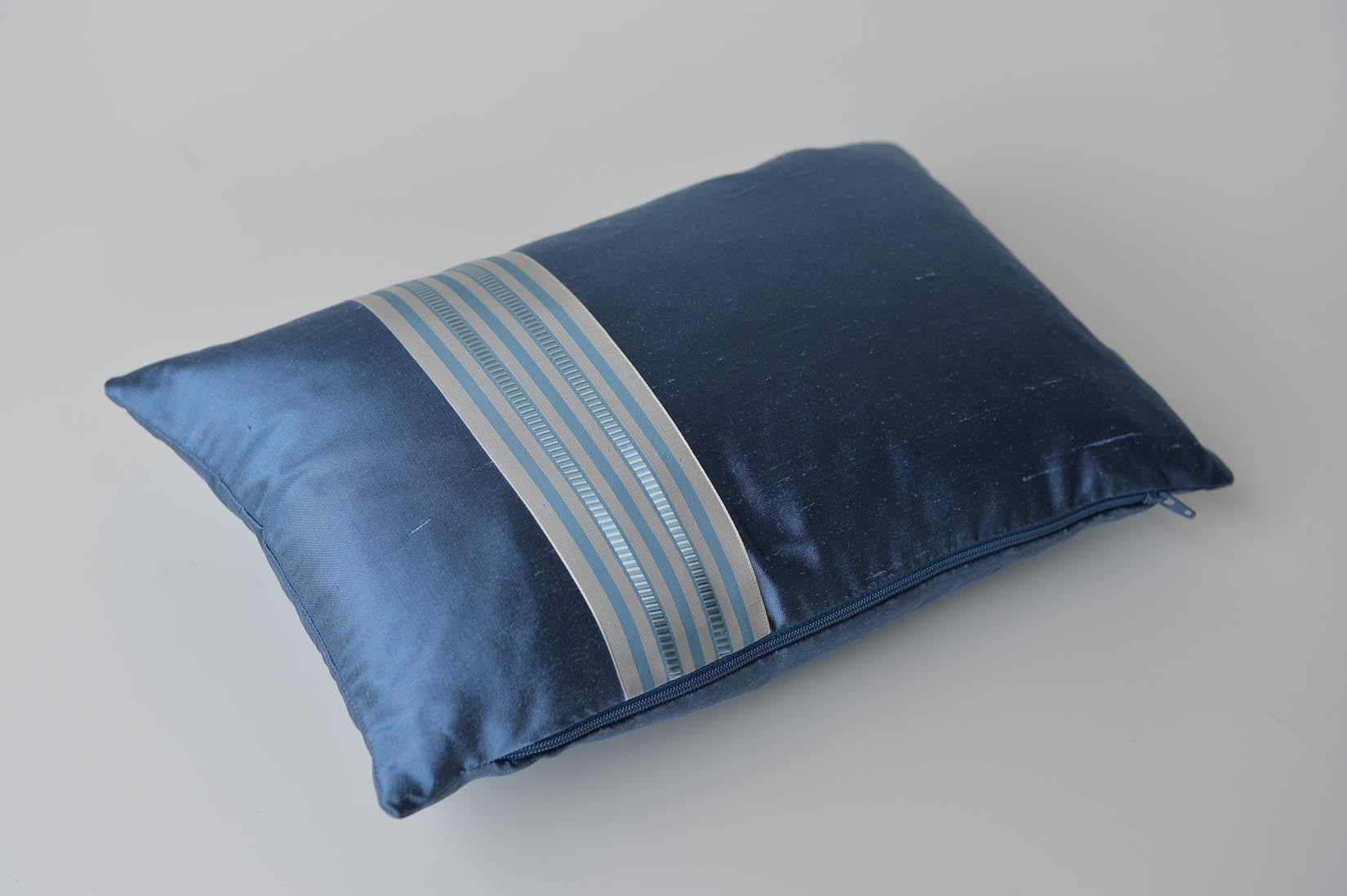 """Alterné"" Rivera blue silk cushion - MyBilletDoux.com"